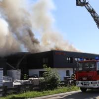 08-08-2016_Ravensburg_Aichstetten_Brand_Buero-Lager_Feuerwehr Poeppel_0053