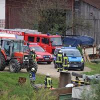 01-09-2016_Biberach_Erlenmoos_Betriebsunfall_Radlader_Feuerwehr_Poeppel_0024