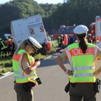 08-09-2016_BY_Unterallgaeu_Babenhausen_Kirchhaslach_Lkw-Unfall_Feuerwehr_Poeppel_0012