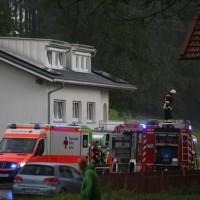 16-09-2016_BY_Unterallgaeu_Legau_Lkw_Unfall_Haus_Feuerwehr_Poeppel_0012