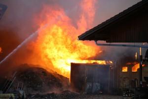 26-09-2016_Oberallgaeu_Altusried-Krugzell_Brand-Buernhof_Feuerwehr_Poeppel_0010