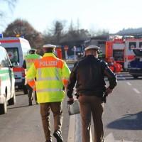 20161214_Memmingen_Unfall_Pkw_Lkw_Feuerwehr_Poeppel_0027