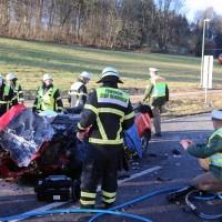 20161214_Memmingen_Unfall_Pkw_Lkw_Feuerwehr_Poeppel_0034