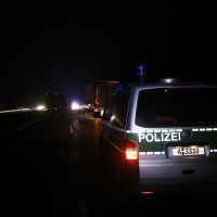 20161221_A96_Aitrach_Aichstetten_Lkw-Unfall_Ladung_Polizei_Poeppel_0030