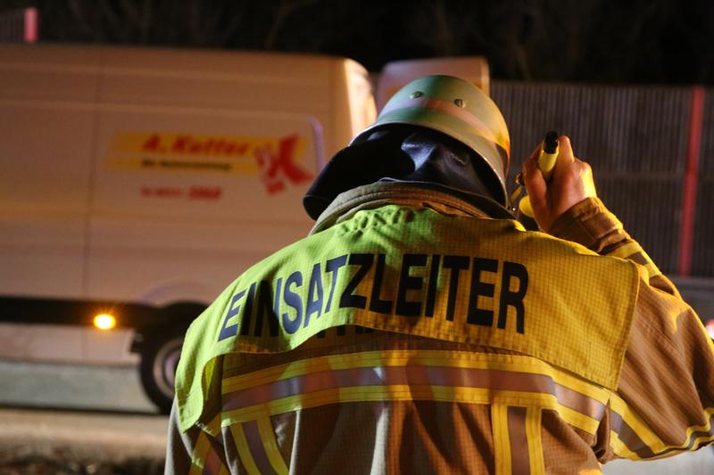 20161227_A96_Aitrach_Aichstetten_Lkw-Unfall_Feuerwehr_Poeppel_0127