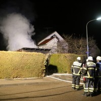 2016_Memmingen-Amendingen_Brand_Pkw_Garage_Feuerwehr_Poeppel_0018