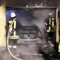 2016_Memmingen-Amendingen_Brand_Pkw_Garage_Feuerwehr_Poeppel_0026