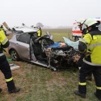 20170102_B12_Jengen_Unfall_Transporter_Pkw_Feuerwehr_Christoph40_dedinag_new-facts-eu_0002
