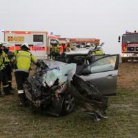 20170102_B12_Jengen_Unfall_Transporter_Pkw_Feuerwehr_Christoph40_dedinag_new-facts-eu_0003
