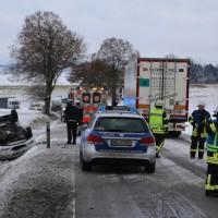 20170104_B312_Ringschnait_Unfall_Schnee_Feuerwehr_Rettungshubschrauber_Feuerwehr_Poeppel_0006