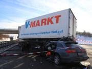 20170110_A96_Woerishofen_Buchloe_Wertach-Parkplatz_Unfall_Lkw-Pkw-Feuerwehr_Poeppel_0010