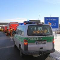 20170110_A96_Woerishofen_Buchloe_Wertach-Parkplatz_Unfall_Lkw-Pkw-Feuerwehr_Poeppel_0033