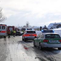 20170116_Ostallgaeu_Unterthingau_Unfall_schneeglaette_Feuerwehr_dedinag_00001