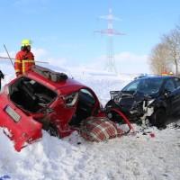 20170116_Ostallgaeu_Unterthingau_Unfall_schneeglaette_Feuerwehr_dedinag_00003