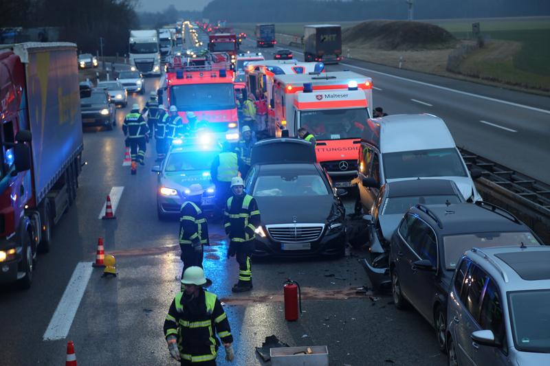 20170213_A96_Aitrach_Memmingen_Unfall-Baustelle_Feuerwehr_Poeppel_0010