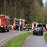 20170417_Biberach_Erolzheim_Edenbachen_toedlicher_Unfall_Feuerwehr_Poeppel_0001