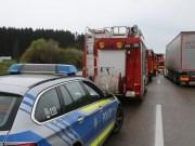 20170425_A96_Buchloe_Tuerkheim_Wertach_Lkw_Unfall_Feuerwehr_Poeppel_0019