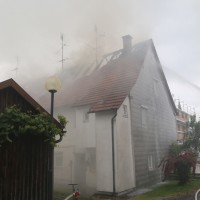 20170605_Neu-Ulm_Altenstadt_Brand_Wohnhaus_Reihenhaus_Feuerwehr_poeppel_0007