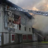 20170617_Ravensburg_Leutkirch_Brand_Lagerhalle_Feuerwehr_Poeppel_0005