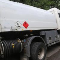 2017-07-25_B30_Unteressendorf_Tank-Lkw_Gefahrgut_Achsbruch_Feuerwehr_Poeppel-0003