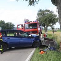 20170714_Biberach_Tannheim_Mooshausen_Pkw_Baum_Unfall_Feuerwehr_Poeppel-0009