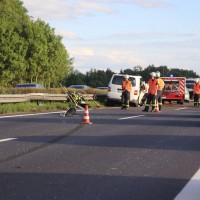 2017-08-13_A7_Dettingen_Berkheim_Unfall_Transporter_Feuerwehr_Poeppel-0013