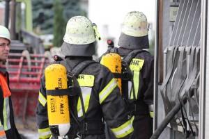 20170817_Unterallgaeu_B16_Hausen_Salgen_Lkw-Heuballen-Brand_Feuerwehr_Poeppel-0011