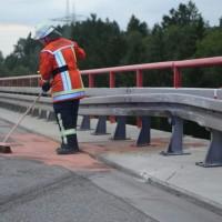 29017-08-04_A96_Wangen_Argentalbruecke_Unfall_Feuerwehr_Poeppel-0010