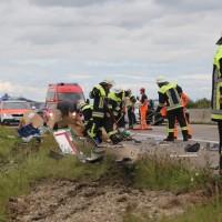 2017-09-11_A96_Holzguenz_Memmingen_Lkw-Unfall_Stauende_Feuerwehr_Poeppel_0011