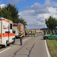 2017-09-17_B300_Memmingen_Steinheim_Frontalzusammenstoss_Feuerwehr_Poeppel-0011