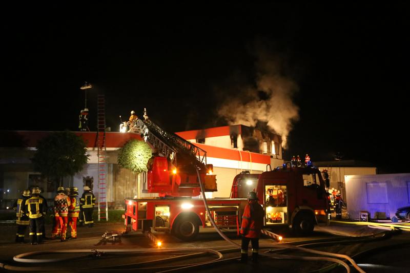 2017-09-23_Unterallgaeu_Rammingen_Brand_Gebaeudet_Toter_Feuerwehr_Poeppel_0041