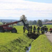 2017-10-05_Ravensburg_Kisslegg_Zaisenhofen_Guelle_Bach_Gewaesserverunreinigung_Feuerwehr_Poeppel-0001