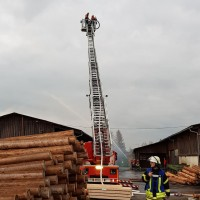 2017-10-06_Unterallgaeu_Zell_Jugend_Feuerwehr_THW_BRK_JUH_Uebung_Feuerwehr-Zell_new-facts-eu_0055
