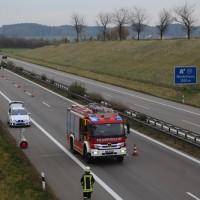 2017-11-05_A96_Mindelheim_Stetten_Transporter_Pkw_Feuerwehr_Poeppel_0005