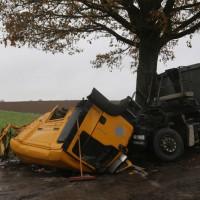 2017-11-07_Unteralgaeu_Hasberg_Lkw-Unfall-Feuerwehr_Poeppel_0005
