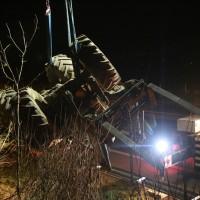 2017-11-20_A7_Dietmannsried_Leubas_Unfall_Traktor_Boeschungsarbeiten_Polizei_Kutter_Poeppel-0015