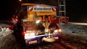 2017-12-14_Oberallgaeu_Kimratshofen_Lkw-Unfall_Schnee_Bergung_Poeppel_08
