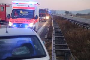 2017-12-24_A7_Groenenbach_Woringen_Unfall_schwer_Feuerwehr_Poeppel_0011