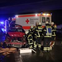2017-12-30_A96_Memmingen_Unfall_Schnee_Feuerwehr_Poeppel_0016