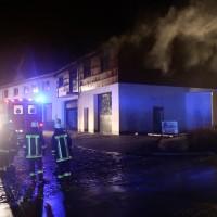 2018-01-04_Ostallgaeu_Irsee_Brand_Schreinerei_Feuerwehr