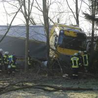 2018-01-10_A96_Mindelheim_Stetten_Lkw-Unfall_Feuerwehr_Poeppel_0020