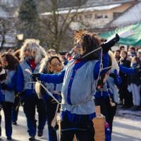 2018-01-21_Erolzheim_Narrenzunft_Deifel-weib_Narrensprung_Poeppel_0035