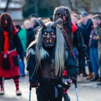 2018-01-21_Erolzheim_Narrenzunft_Deifel-weib_Narrensprung_Poeppel_0341