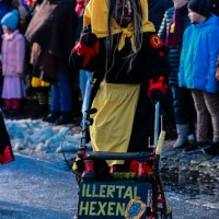 2018-01-21_Erolzheim_Narrenzunft_Deifel-weib_Narrensprung_Poeppel_0658