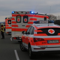 2018-01-26_L300_Tannheim_Egelsee_Unfall_Ueberschlag_Feuerwehr_Polizei_0004