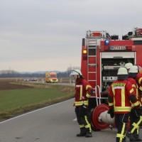 2018-01-26_L300_Tannheim_Egelsee_Unfall_Ueberschlag_Feuerwehr_Polizei_0013