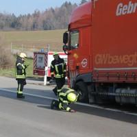 2018-02-06_A7_Altenstadt_Illertissen_Lkw-UNfall_Feuerwehr_Poeppel_0018