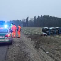 2018-02-06_A96_Holzguenz_Lkw_Autotransporter_Unfall_Polizei_Poeppel_0008