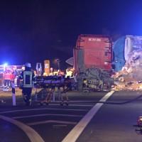 2018-03-16_A7_Dettingen_Lkw-Unfall_Feuerwehr_0041