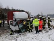 2018-03-19_B12_Kaufbeuren_Neugablonz_Lkw-Unfall_Feuerwehr_0016